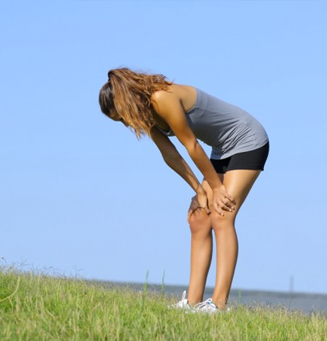 autoimmune-and-exercise-ann-exhausted-woman-outdoors-327x341