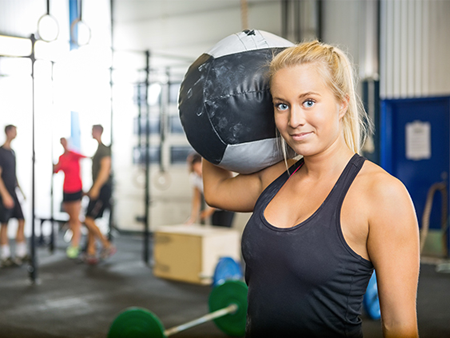 fatshaming-woman-at-gym-450x338
