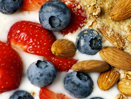 greek-yogurt-fruit-nut-450x340