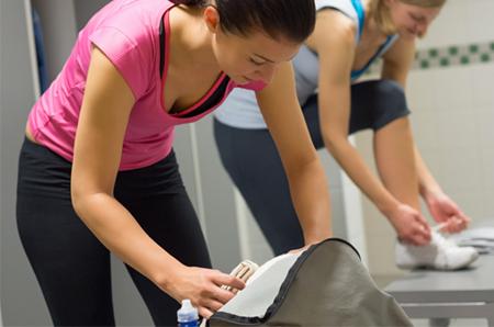 gymtimidation-women-locker-room-450x298