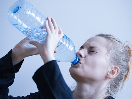 hydration-woman-doesnt-like-drinking-water-450x338