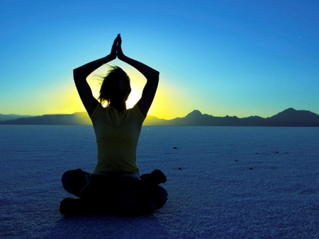meditation-on-beach-450x338