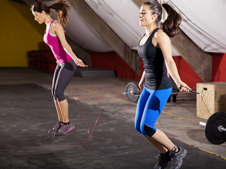 strength-training-for-fat-loss-girls-jumprope-450x338