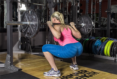 training-mistakes-molly-back-squat-450x306