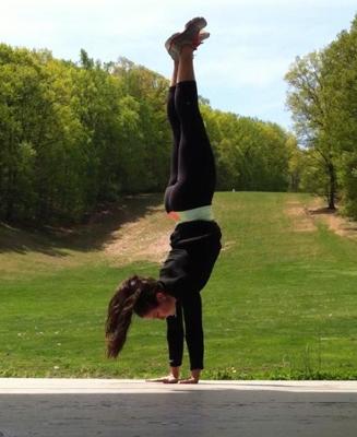 upsidedown-alli-handstand-327x400