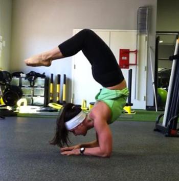 yogaforgirlgonestrong-alli-armbalance-350x353
